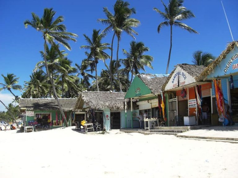 El Cortecito, Punta Cana- Guide And Important Tips For Buying Souvenirs